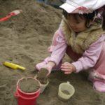 ベランダか庭に小さい砂場がほしい 砂と簡易の砂場どれを選べばいいの?