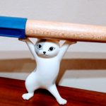 文具好きのデスクに ネコのペンおき